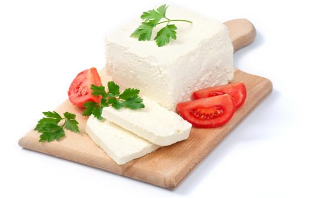 624-400-koze-sirene-mlechni-produkti-blizkiia-iztok-polezni-kachestva-silicij-alergen
